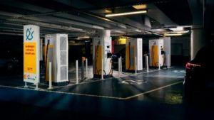 Shell lance son premier hub de mobilité électrique en plein centre de Paris